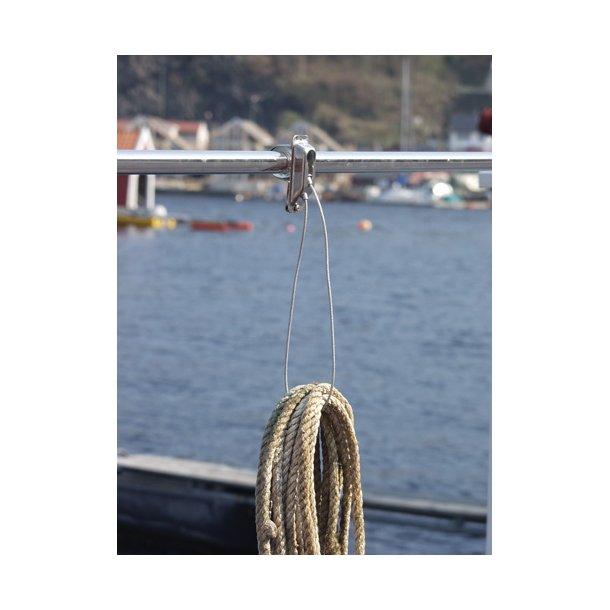 Holder til liner/tov/kabel og slange
